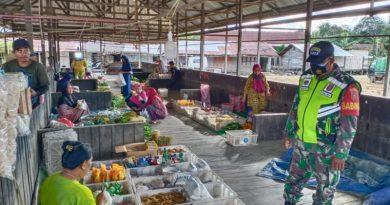 Koramil Sebulu Dan Pemerintah Desa Sumber Sari Tertibkan Pasar Malam